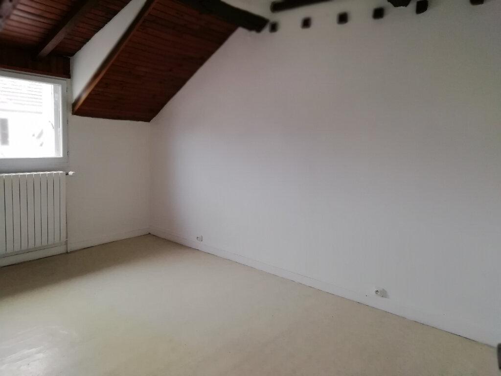 Maison à louer 3 61.64m2 à Saint-Cyr-sur-Morin vignette-6