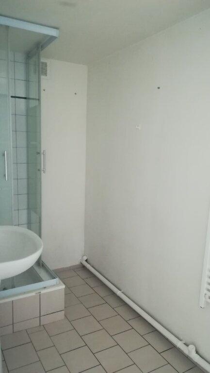 Maison à louer 3 0m2 à Bassevelle vignette-8