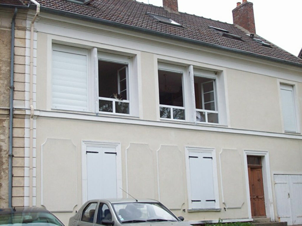 Appartement à louer 2 24m2 à Orly-sur-Morin vignette-1