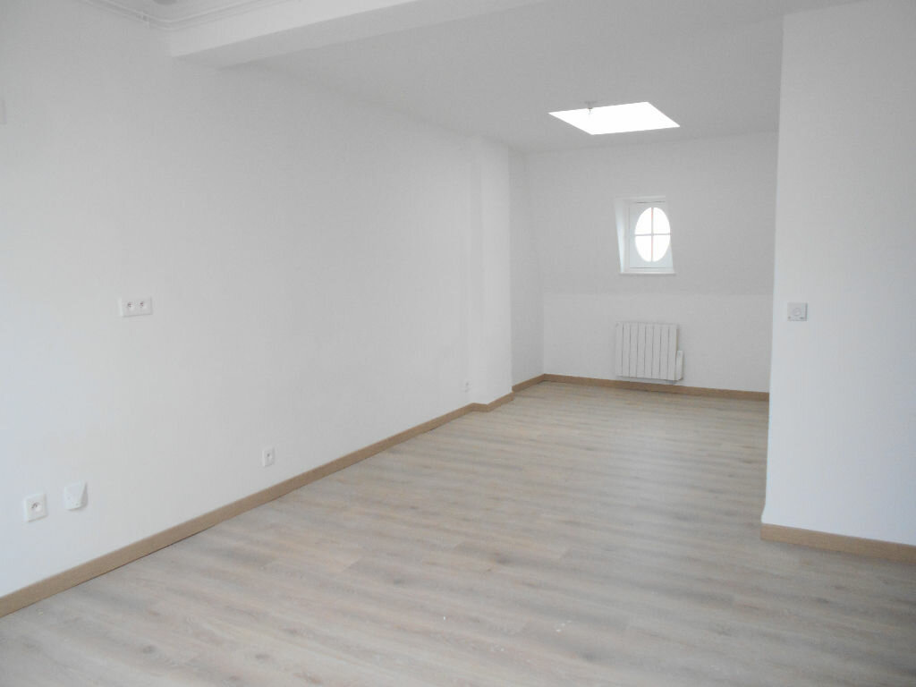 Appartement à louer 3 54.49m2 à La Ferté-sous-Jouarre vignette-1
