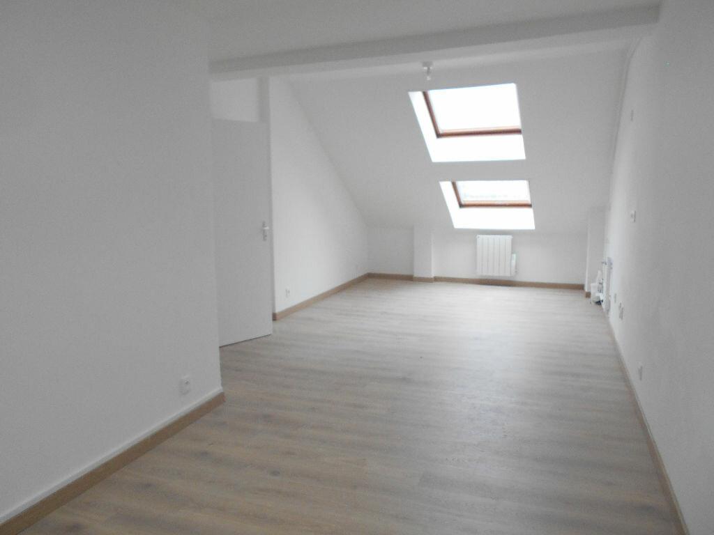 Appartement à louer 3 54.49m2 à La Ferté-sous-Jouarre vignette-3