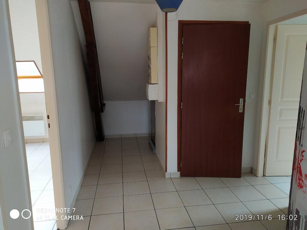 Appartement à louer 3 32.31m2 à La Ferté-sous-Jouarre vignette-2