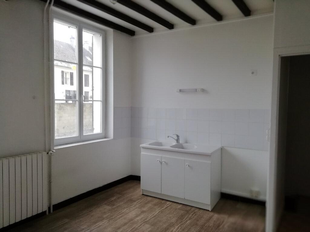Maison à louer 3 62m2 à Saint-Cyr-sur-Morin vignette-1