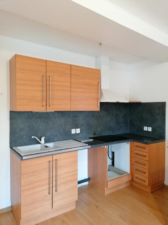 Appartement à louer 3 46.5m2 à La Ferté-sous-Jouarre vignette-1