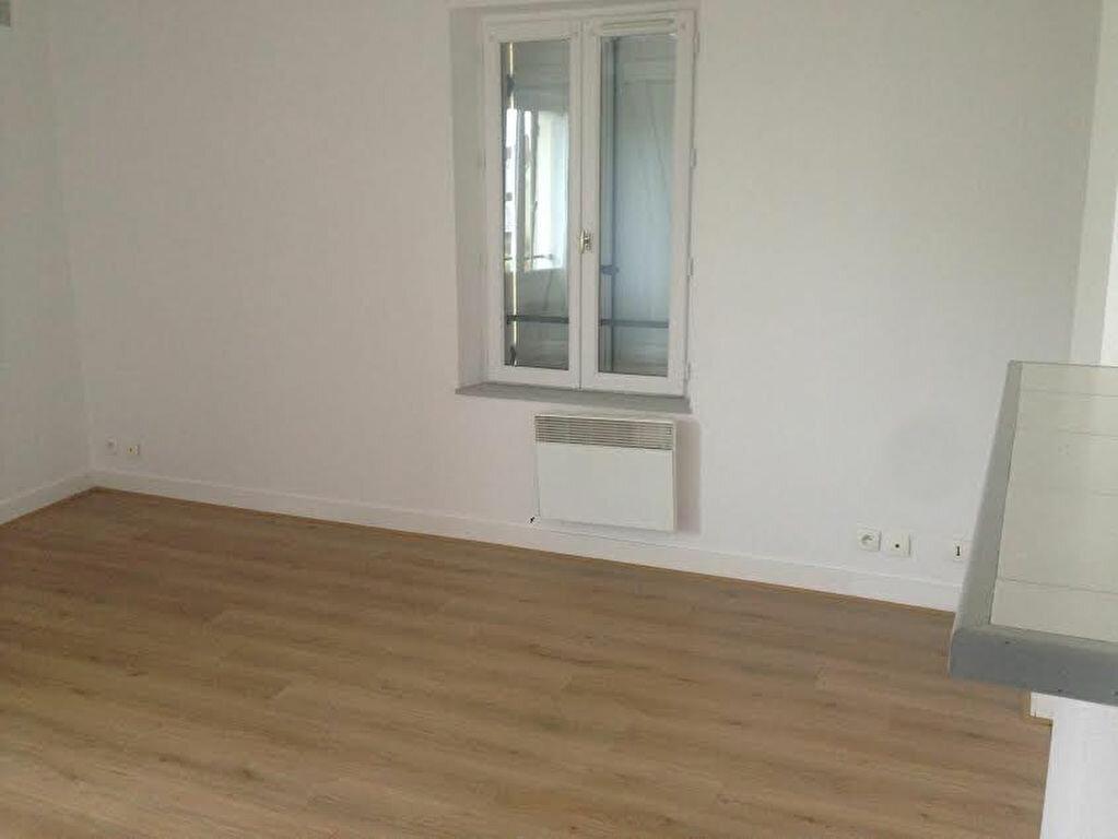 Appartement à louer 3 54.39m2 à La Ferté-sous-Jouarre vignette-3