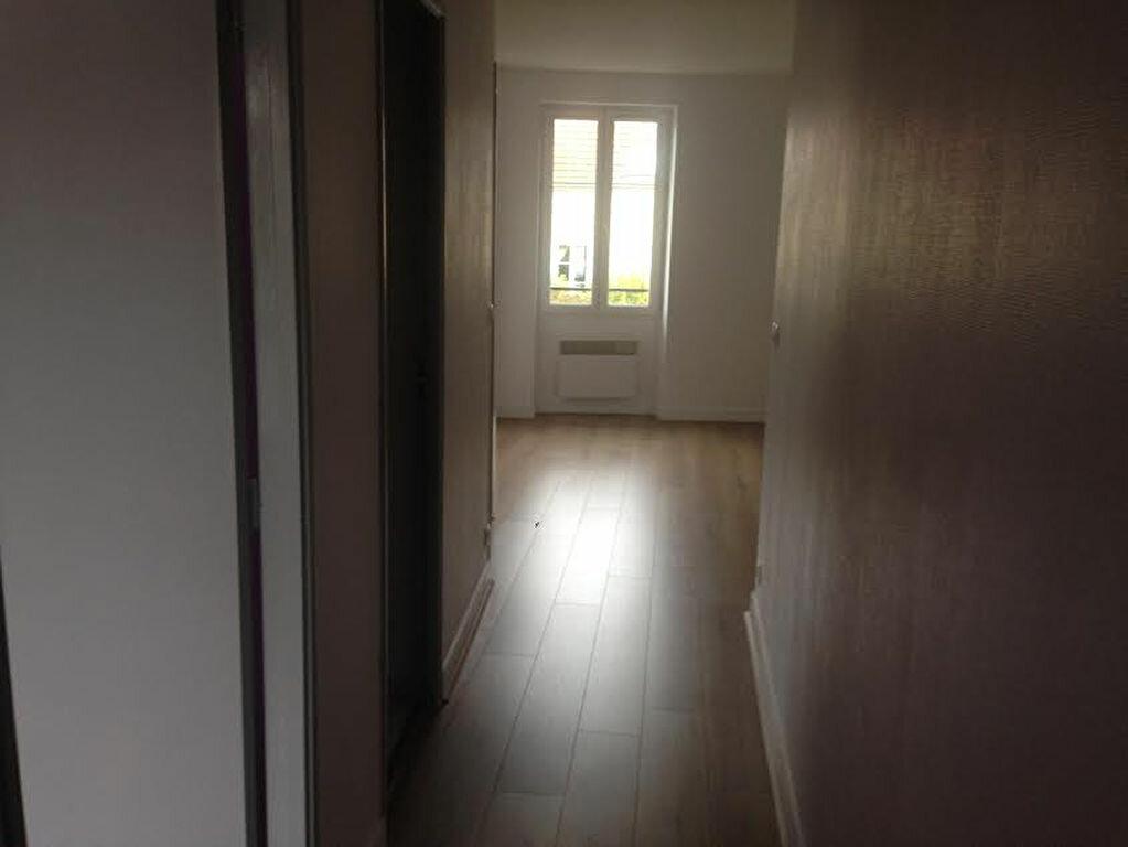 Appartement à louer 3 54.39m2 à La Ferté-sous-Jouarre vignette-4