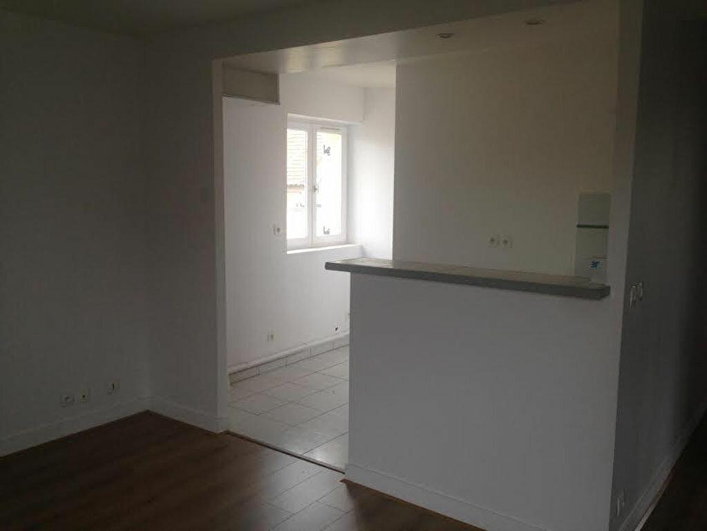 Appartement à louer 3 54.39m2 à La Ferté-sous-Jouarre vignette-5