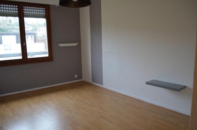 Appartement à louer 3 74.61m2 à La Ferté-sous-Jouarre vignette-3