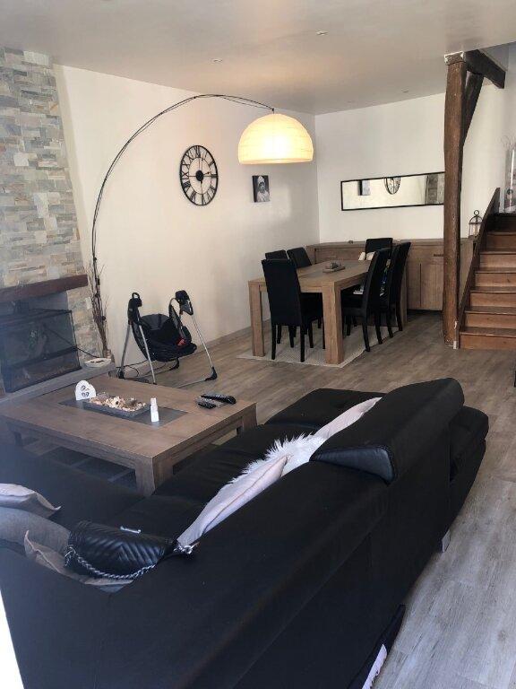 Maison à louer 4 90m2 à Saint-Jean-les-Deux-Jumeaux vignette-1
