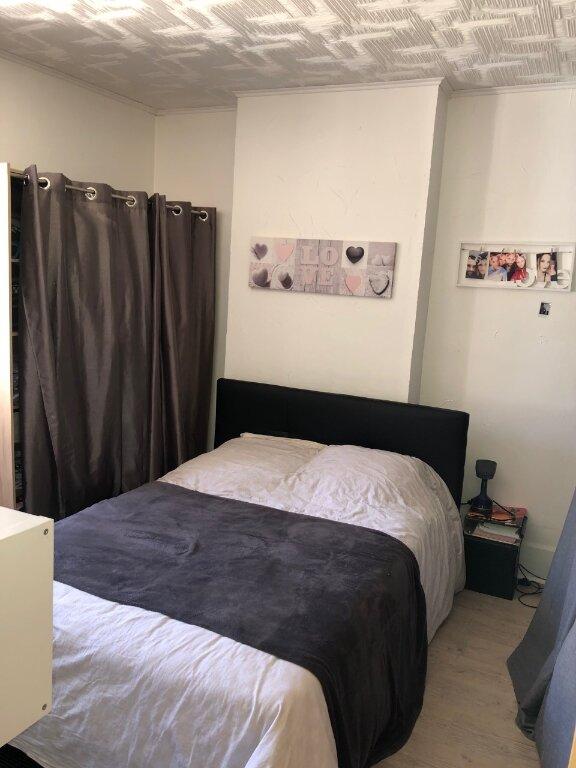 Maison à louer 4 90m2 à Saint-Jean-les-Deux-Jumeaux vignette-5