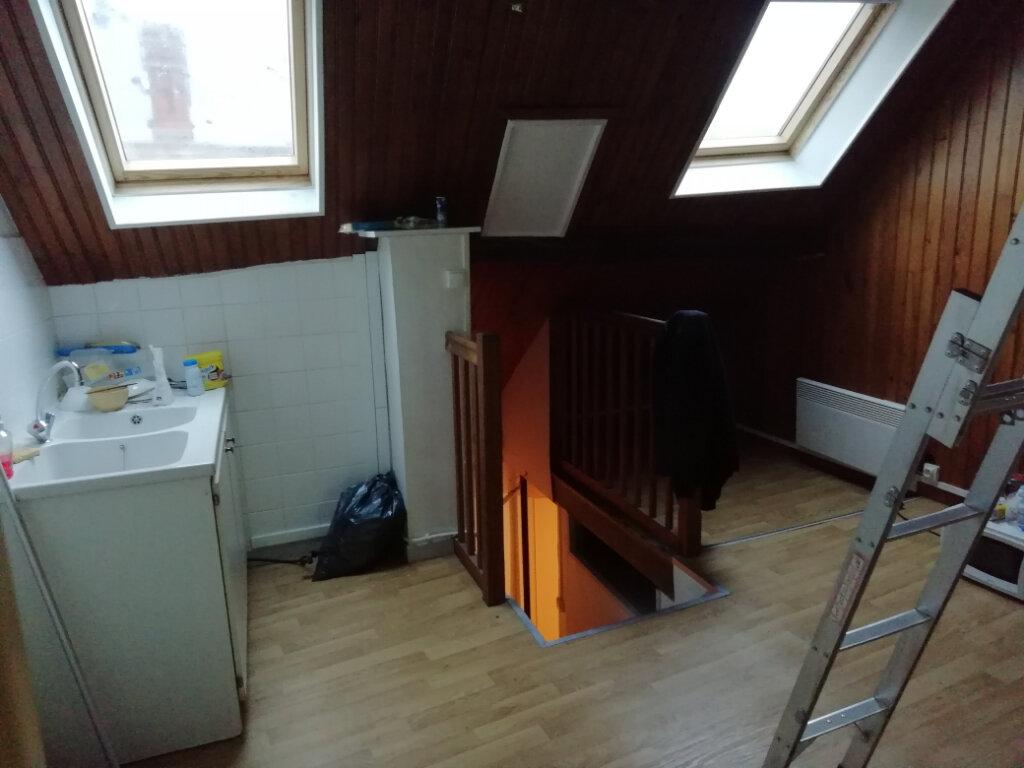 Appartement à louer 2 26.7m2 à La Ferté-sous-Jouarre vignette-2