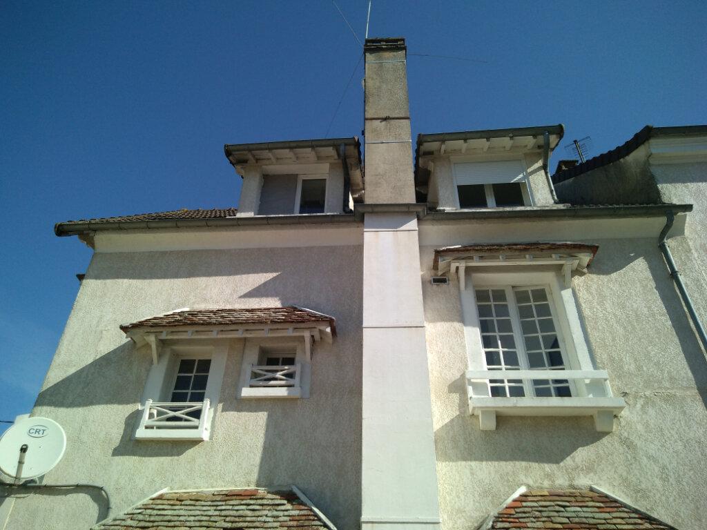 Appartement à louer 5 83m2 à La Ferté-sous-Jouarre vignette-1