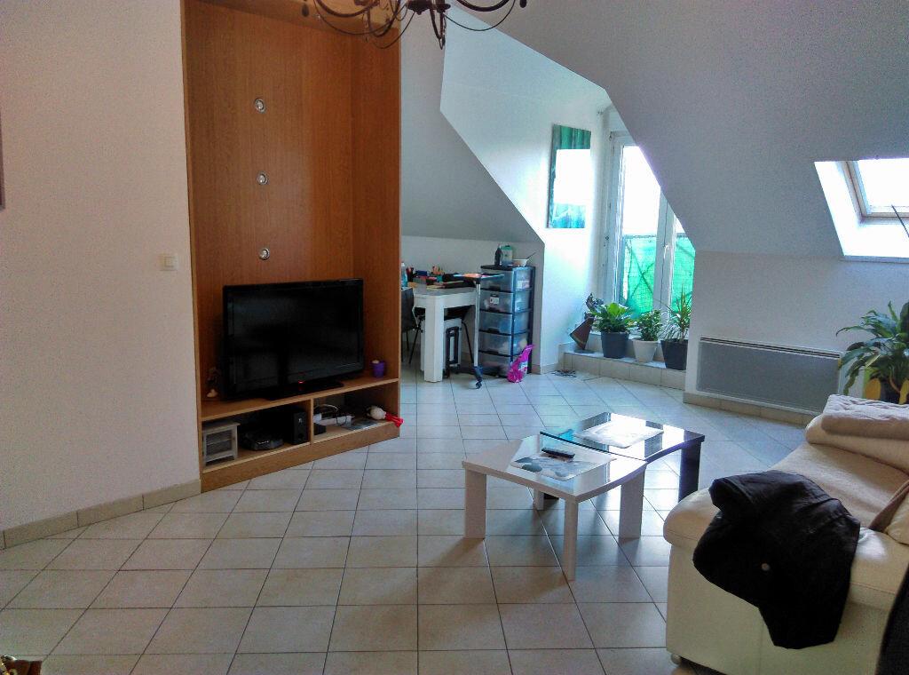 Appartement à louer 3 69.45m2 à La Ferté-sous-Jouarre vignette-2
