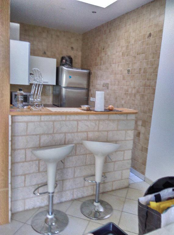 Appartement à louer 3 69.45m2 à La Ferté-sous-Jouarre vignette-3