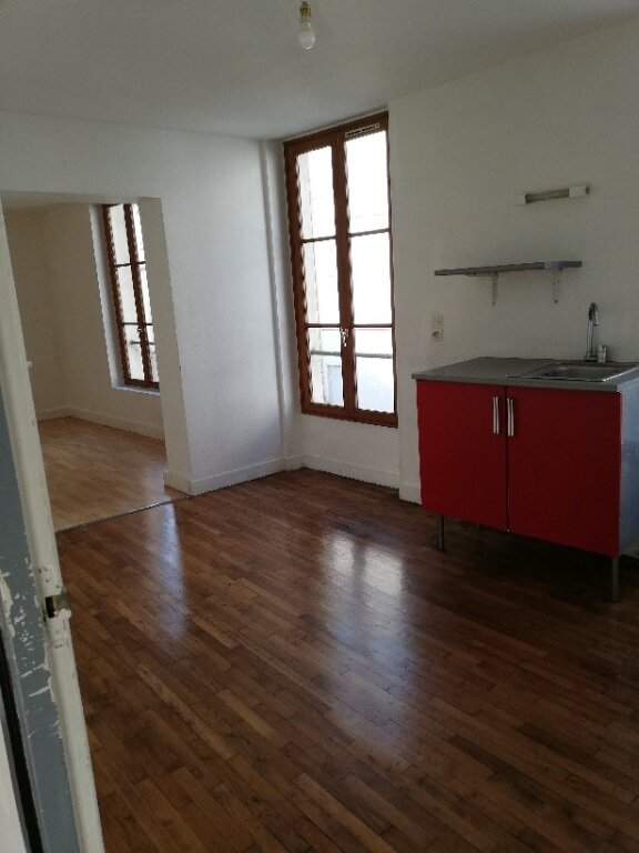 Appartement à louer 4 106m2 à La Ferté-sous-Jouarre vignette-2
