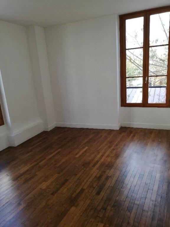 Appartement à louer 4 106m2 à La Ferté-sous-Jouarre vignette-3