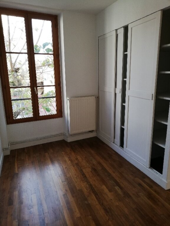 Appartement à louer 4 106m2 à La Ferté-sous-Jouarre vignette-4