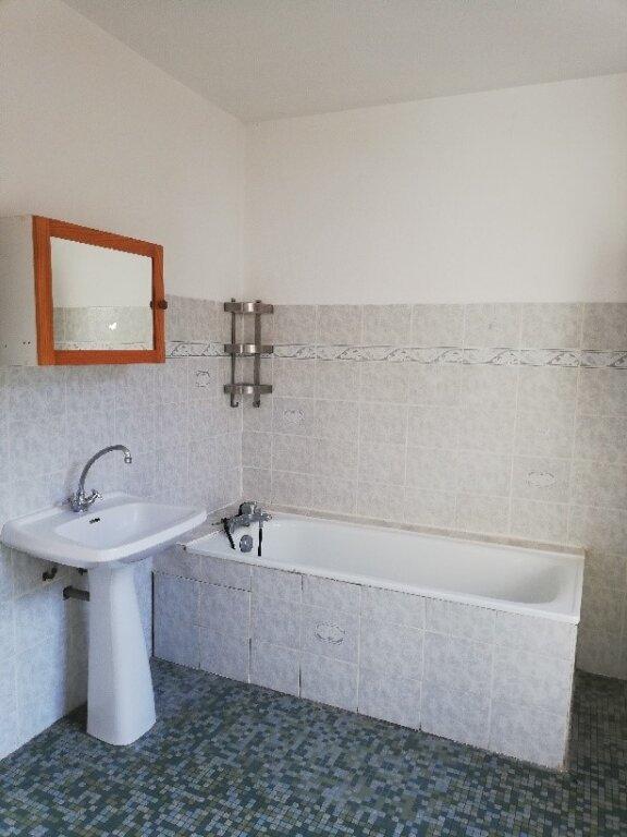 Appartement à louer 4 106m2 à La Ferté-sous-Jouarre vignette-6