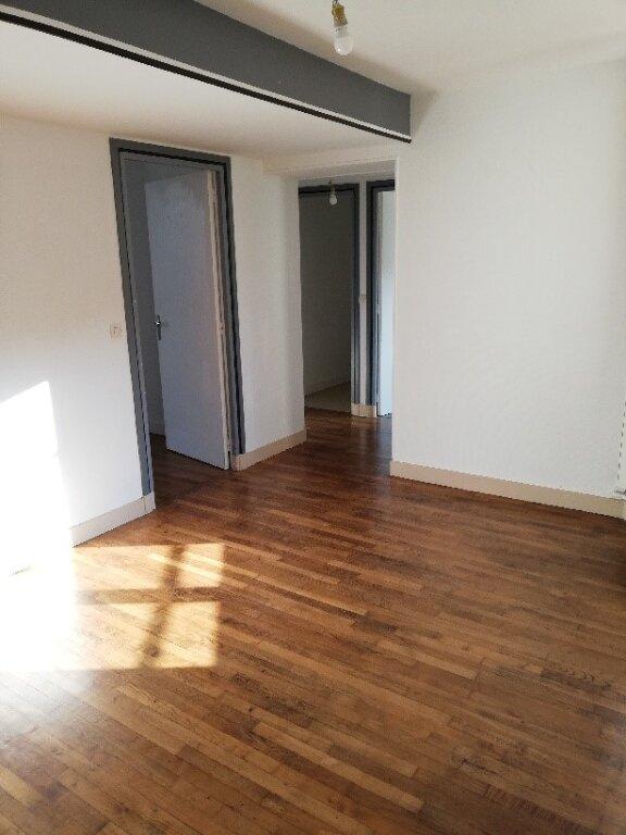 Appartement à louer 4 106m2 à La Ferté-sous-Jouarre vignette-7