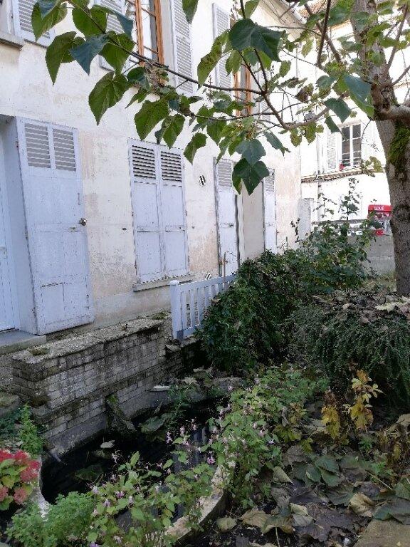 Appartement à louer 4 106m2 à La Ferté-sous-Jouarre vignette-8