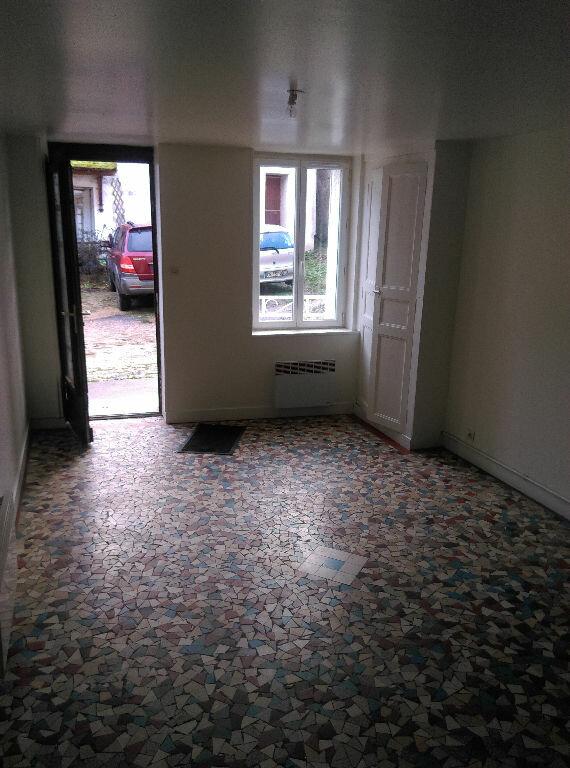 Maison à louer 4 85m2 à Saint-Cyr-sur-Morin vignette-2