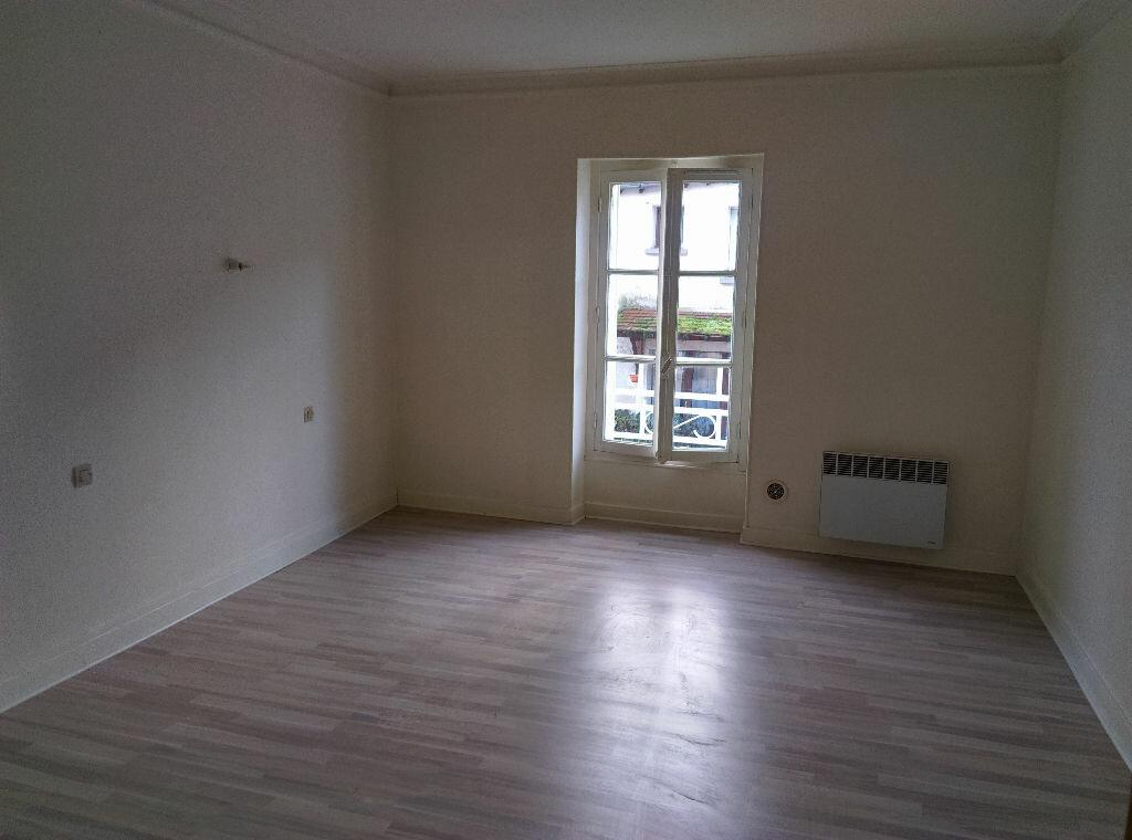 Maison à louer 4 85m2 à Saint-Cyr-sur-Morin vignette-4