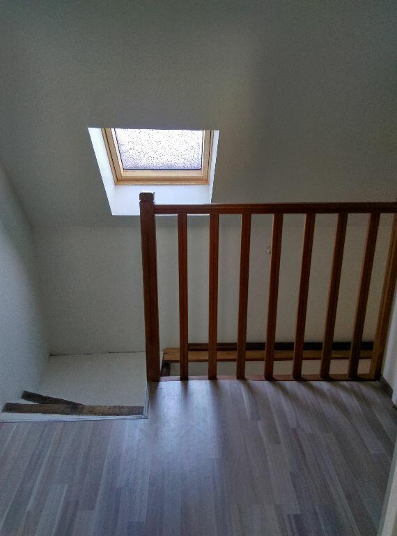 Maison à louer 4 85m2 à Saint-Cyr-sur-Morin vignette-5