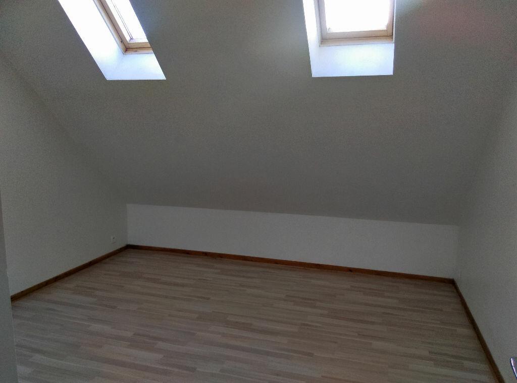 Maison à louer 4 85m2 à Saint-Cyr-sur-Morin vignette-7