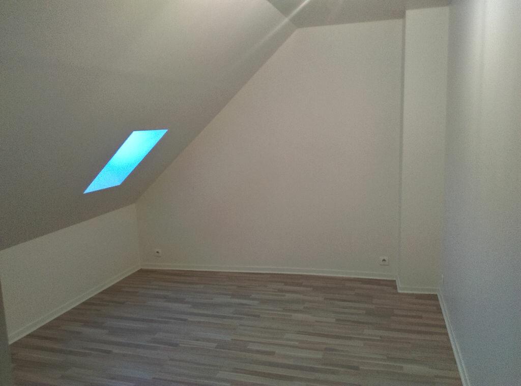 Maison à louer 4 85m2 à Saint-Cyr-sur-Morin vignette-10