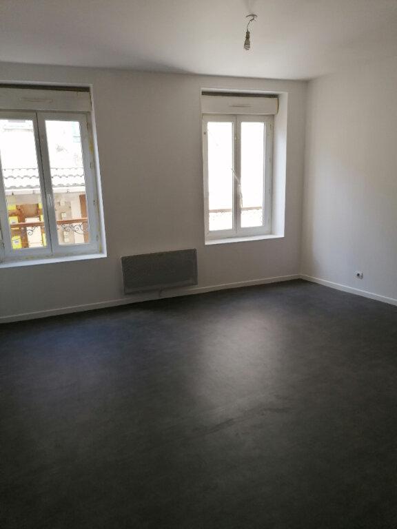 Appartement à louer 1 29m2 à La Ferté-sous-Jouarre vignette-1