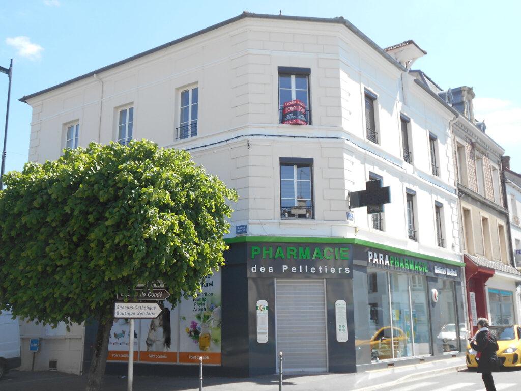Appartement à louer 1 14.56m2 à La Ferté-sous-Jouarre vignette-1