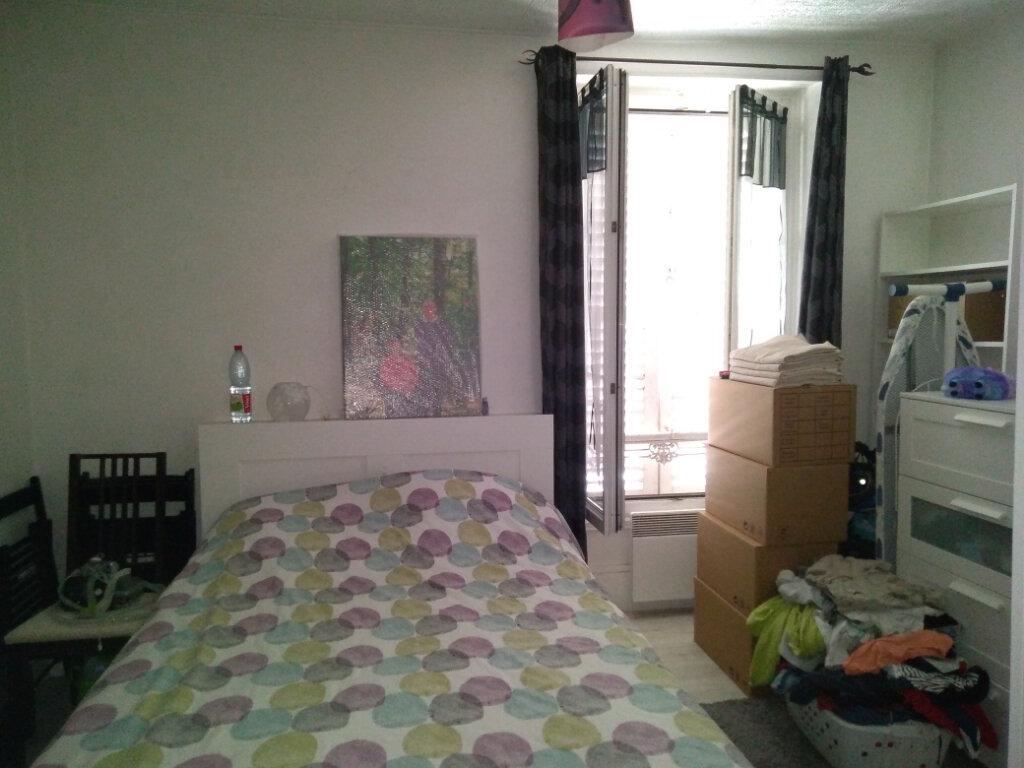 Appartement à louer 5 83.11m2 à La Ferté-sous-Jouarre vignette-2