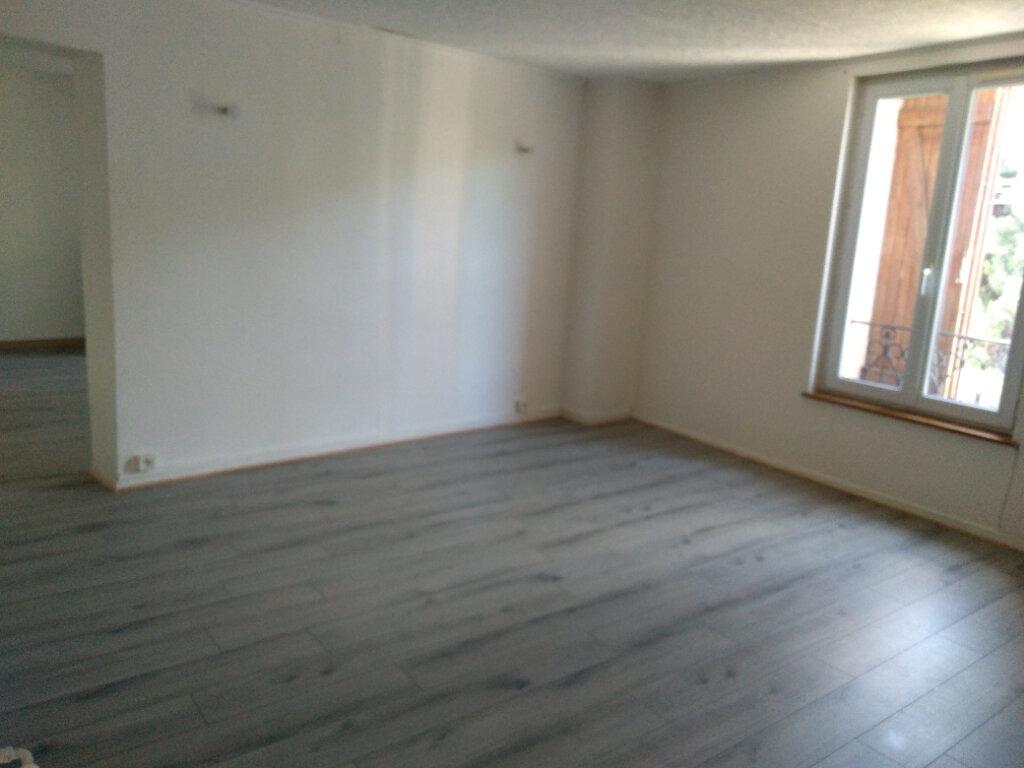 Appartement à louer 4 55.71m2 à Saâcy-sur-Marne vignette-2