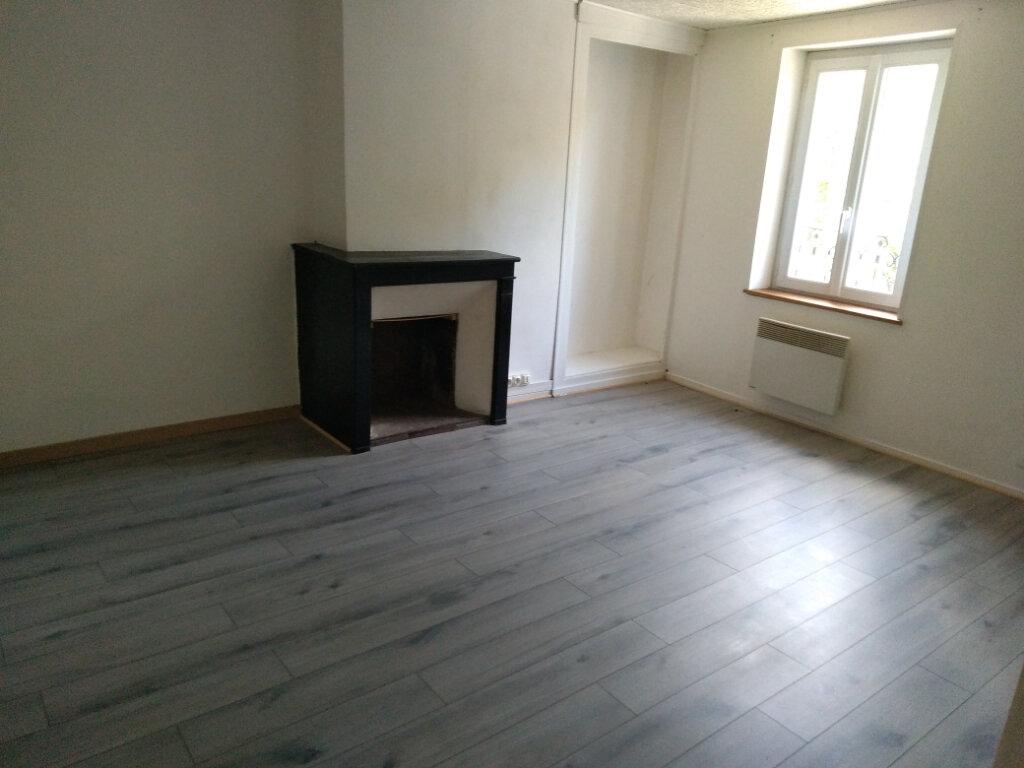 Appartement à louer 4 55.71m2 à Saâcy-sur-Marne vignette-4