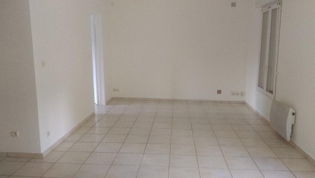 Appartement à louer 2 41.11m2 à La Ferté-sous-Jouarre vignette-2