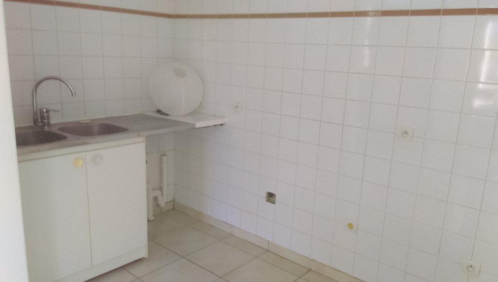 Appartement à louer 2 41.11m2 à La Ferté-sous-Jouarre vignette-3