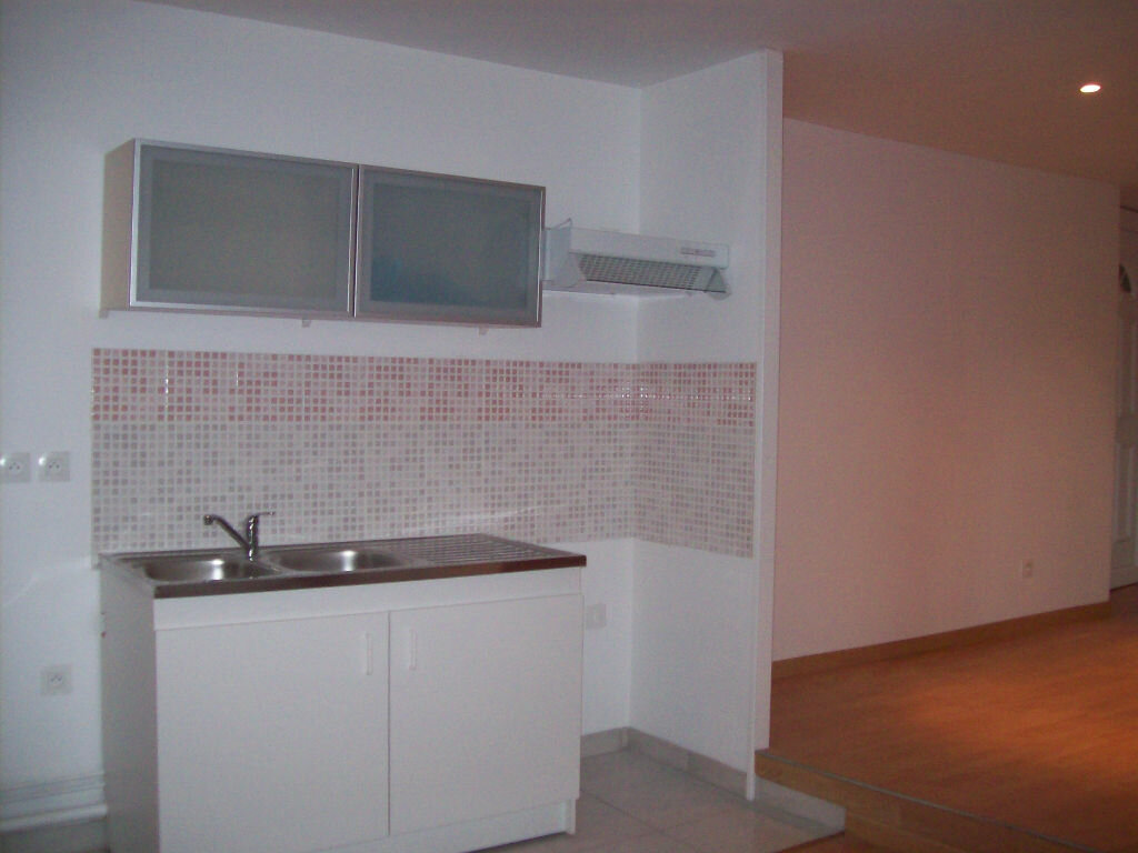 Appartement à louer 2 36.11m2 à La Ferté-sous-Jouarre vignette-1