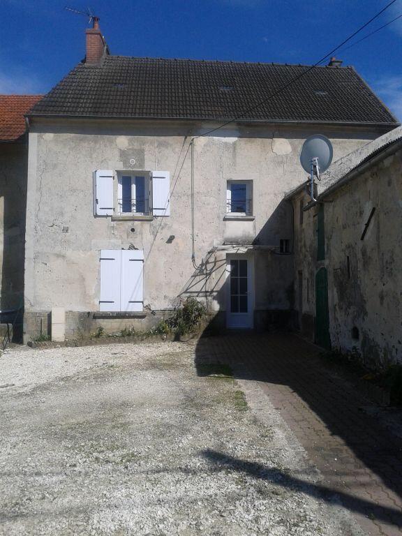 Maison à louer 5 105.28m2 à Sainte-Aulde vignette-3