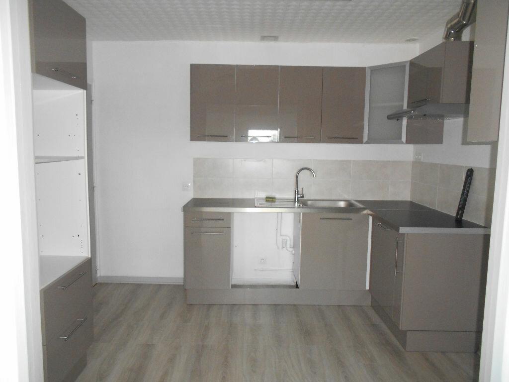 Appartement à louer 3 49.63m2 à La Ferté-sous-Jouarre vignette-1