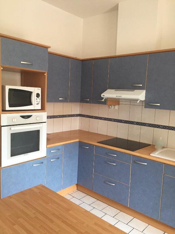 Maison à louer 5 0m2 à La Ferté-sous-Jouarre vignette-5