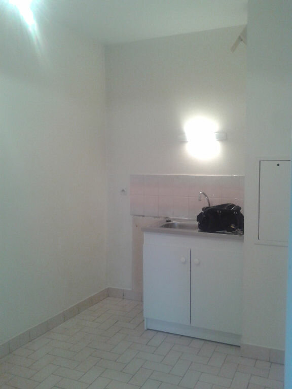 Appartement à louer 2 35.78m2 à La Ferté-sous-Jouarre vignette-4