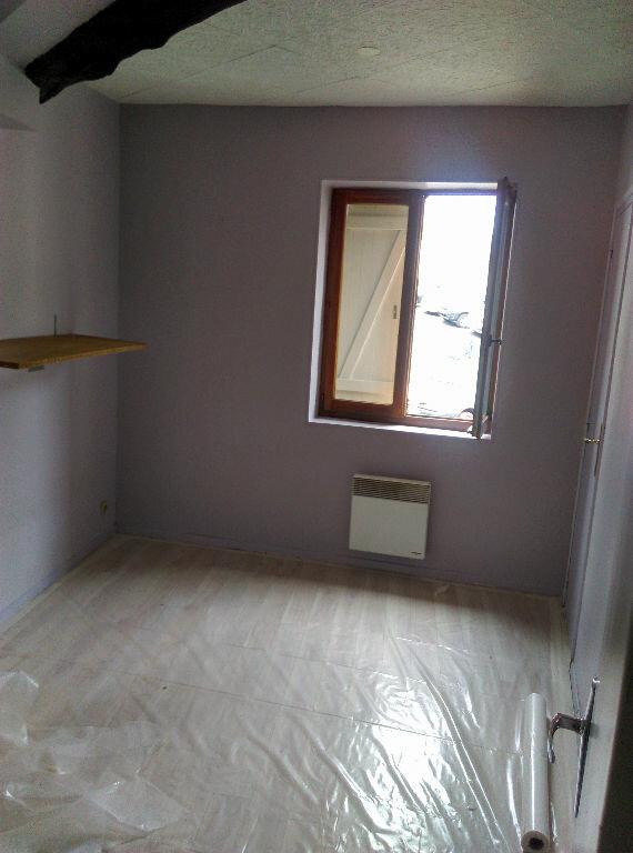 Appartement à louer 2 33.51m2 à Saint-Cyr-sur-Morin vignette-3