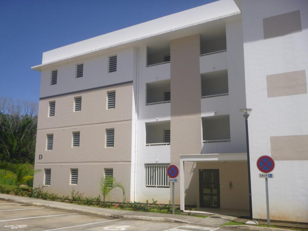 Appartement à louer 4 74.19m2 à Le Lamentin vignette-8