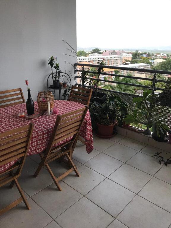 Appartement à louer 3 62.97m2 à Le Lamentin vignette-2