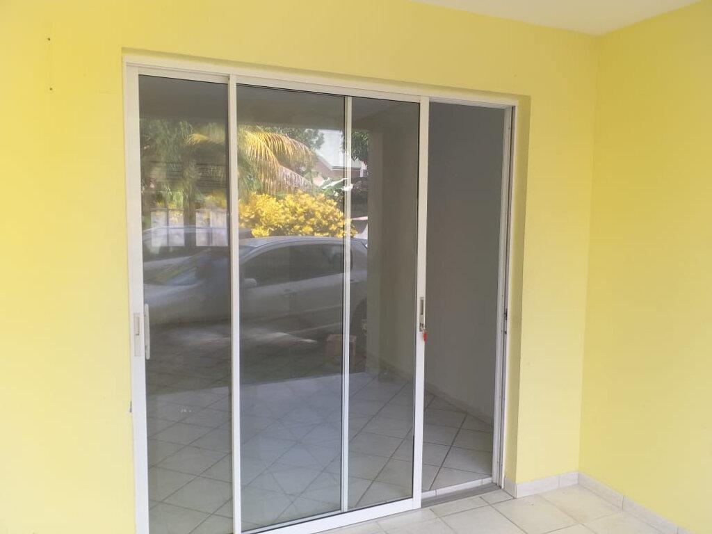 Appartement à louer 2 35.79m2 à La Trinité vignette-3