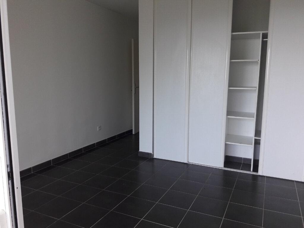 Appartement à louer 3 57.98m2 à Sainte-Marie vignette-3