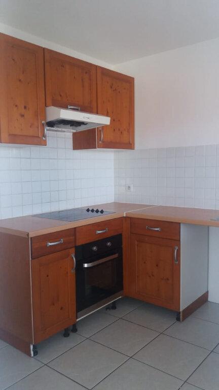 Appartement à louer 3 65.45m2 à Fort-de-France vignette-5