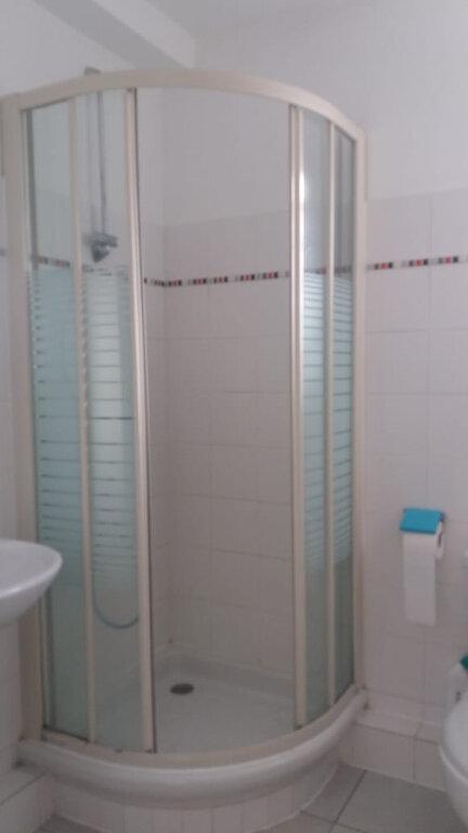 Appartement à louer 3 65.45m2 à Fort-de-France vignette-8