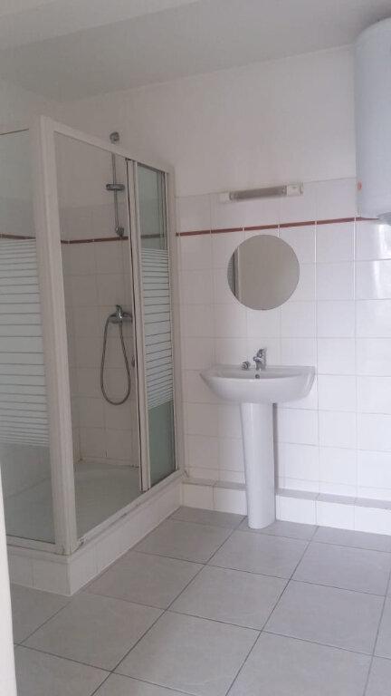 Appartement à louer 3 65.45m2 à Fort-de-France vignette-9
