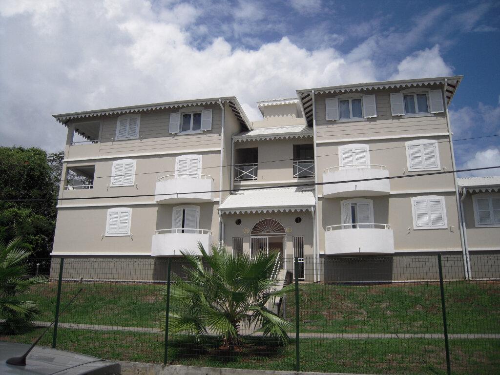 Appartement à louer 3 65.45m2 à Fort-de-France vignette-10